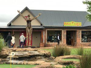 trayci tompkins, traci tomkins, tracy tompkins, ceramics south africa, KwaZulu Natal artist, art south africa, south african pottery, trayci tompkins, piggly wiggly, zulu lulu art house